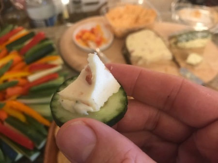cheese-on-cucumber-slice