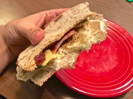 close-up-breakfast-sandwich