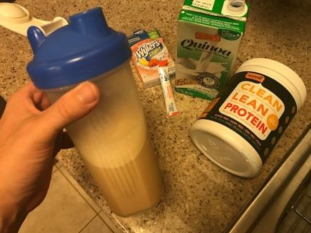 protein-shake-quinoa-beverage-nuzest