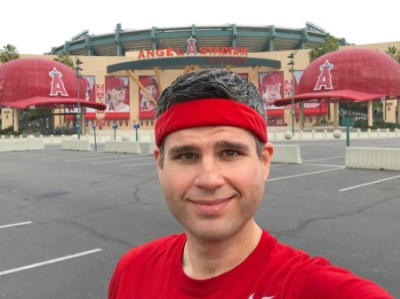 david-angel-stadium-hike-the-halo-big-hats