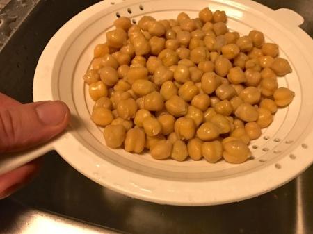 garbanzo-beans-strainer-chickpeas