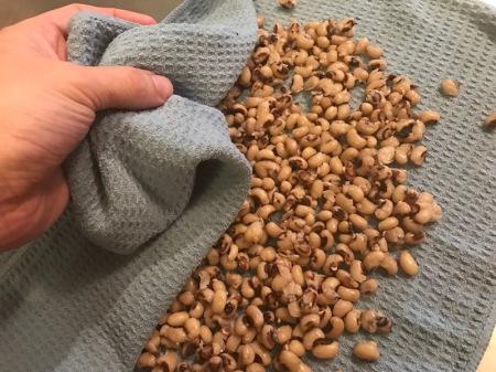 roasted-black-eyed-peas-towel