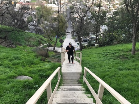 david-climbing-eldred-stairs