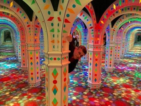 mirror-maze-column
